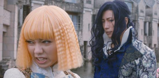 映画『翔んで埼玉』二階堂ふみ/GACKT