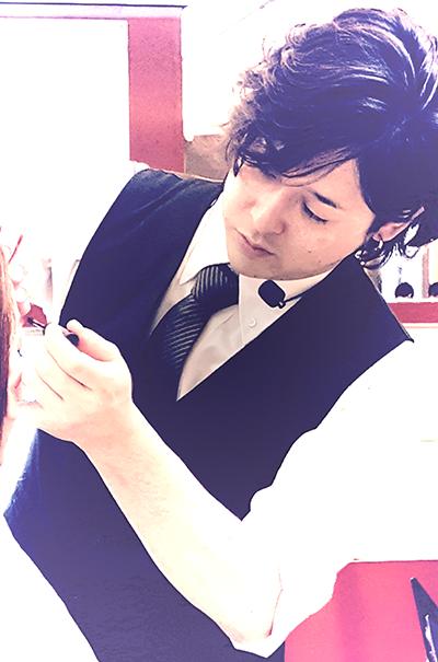 メイク講座講師:スペシャル&ビューティー メイクアップアーティスト 今越 壮彦(TAKE)先生
