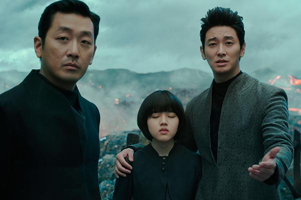 映画『神と共に 第一章:罪と罰』ハ・ジョンウ/チュ・ジフン/キム・ヒャンギ