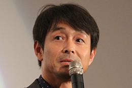映画『探偵ミタライの事件簿 星籠(せいろ)の海』完成披露舞台挨拶、吉田栄作