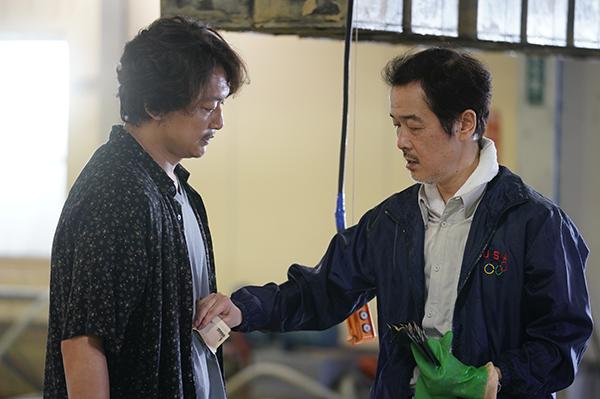 映画『凪待ち』香取慎吾/リリー・フランキー