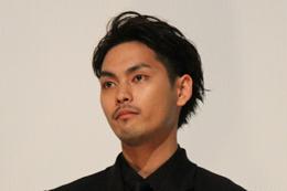 映画『ディストラクション・ベイビーズ』完成披露舞台挨拶、柳楽優弥