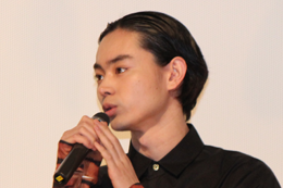 映画『ディストラクション・ベイビーズ』完成披露舞台挨拶、菅田将暉