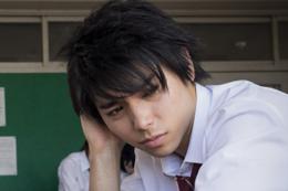 映画『二度めの夏、二度と会えない君』村上虹郎