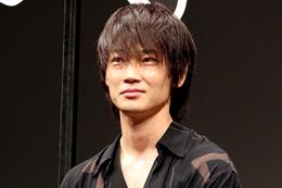 映画『武曲 MUKOKU』完成披露舞台挨拶、綾野剛