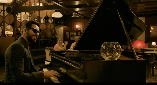 映画『盲目のメロディ~インド式殺人狂騒曲~』アーユシュマーン・クラーナー