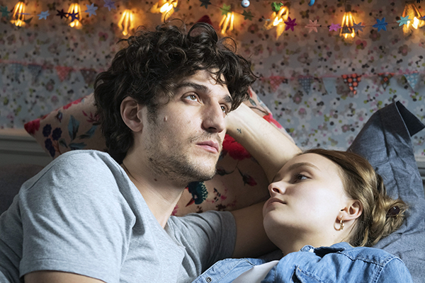 映画『パリの恋人たち』ルイ・ガレル/リリー=ローズ・デップ