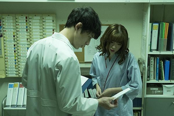 映画『仮面病棟』坂口健太郎/永野芽郁