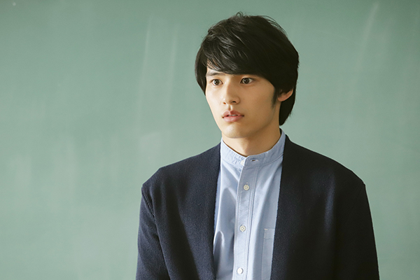 映画『弥生、三月 -君を愛した30年-』岡田健史