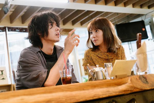 映画『劇場』山﨑賢人/松岡茉優
