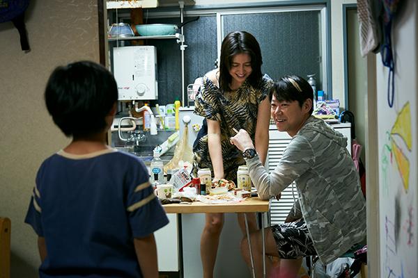 映画『MOTHER マザー』長澤まさみ/阿部サダヲ