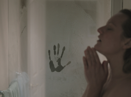 映画『透明人間』エリザベス・モス