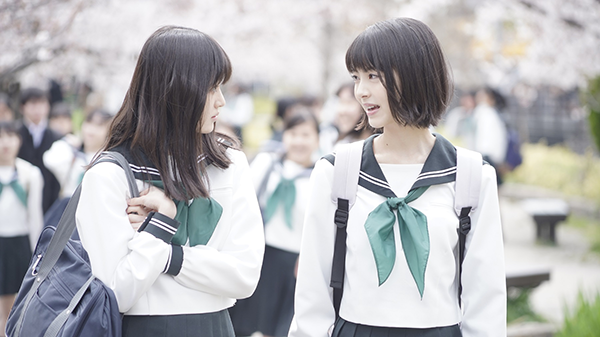 映画『思い、思われ、ふり、ふられ』浜辺美波/福本莉子