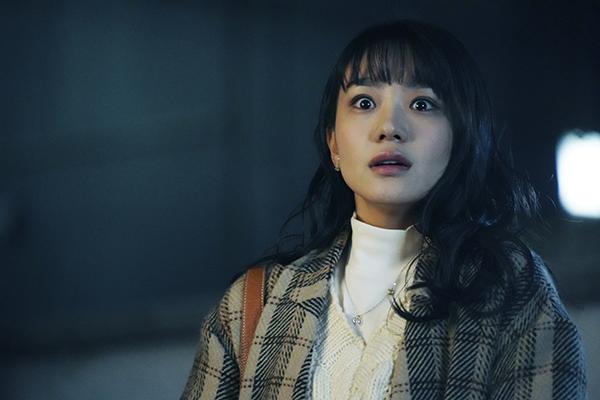 映画『事故物件 恐い間取り』奈緒