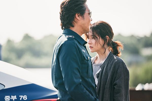 映画『ブリング・ミー・ホーム 尋ね人』イ・ヨンエ/ユ・ジェミョン