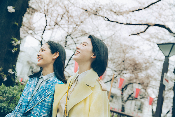 映画『Daughters』三吉彩花/阿部純子