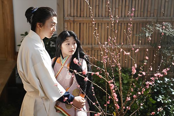 映画『十二単衣を着た悪魔』伊藤健太郎/伊藤沙莉