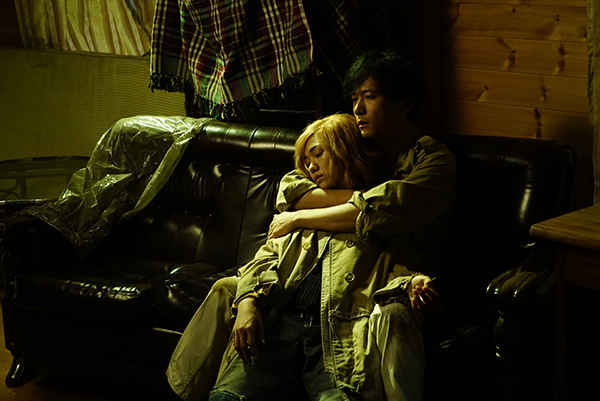 映画『ばるぼら』稲垣吾郎/二階堂ふみ