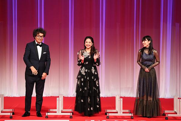 第33回東京国際映画祭オープニングセレモニー『10万分の1』平祐奈、優希美青