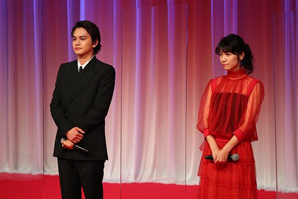 第33回東京国際映画祭オープニングセレモニー『アンダードッグ』北村匠海、瀧内公美