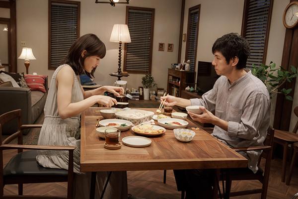 映画『奥様は、取り扱い注意』綾瀬はるか/西島秀俊