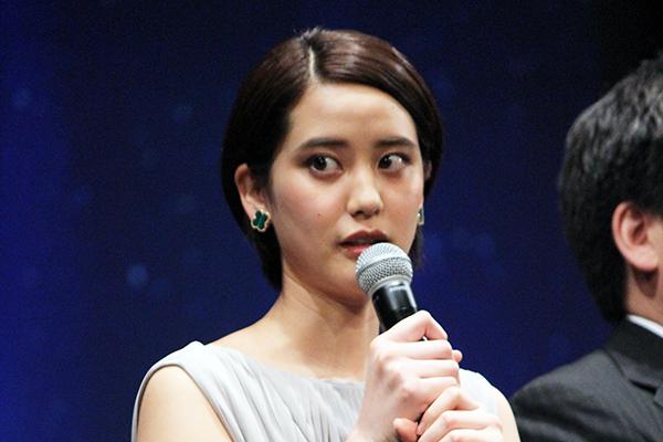 映画『50回目のファーストキス』舞台挨拶、山崎紘菜