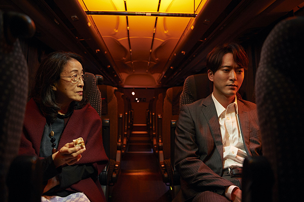 Huluオリジナル『THE LIMIT』第6話「高速夜行バス」浅香航大/木野花