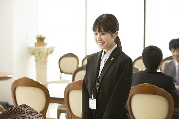 映画『しあわせのマスカット』福本莉子