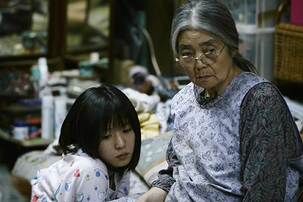 映画『万引き家族』松岡茉優/樹木希林