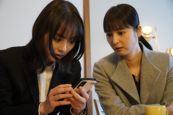 映画『リカ ~自称28歳の純愛モンスター~』内田理央/佐々木希