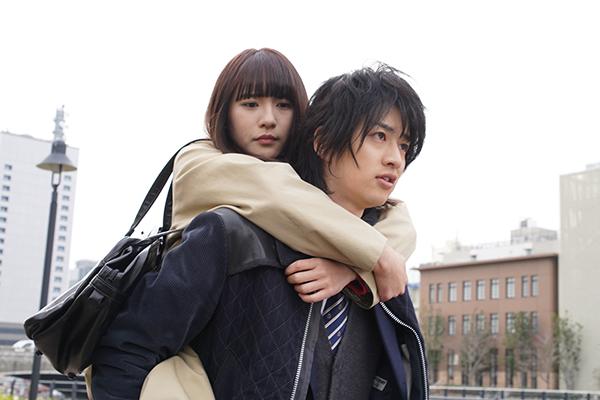 Huluオリジナル『悪魔とラブソング』浅川梨奈/飯島寛騎