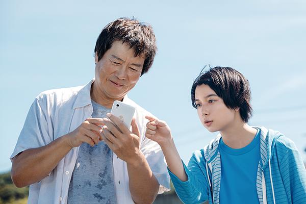 映画『子供はわかってあげない』上白石萌歌/豊川悦司