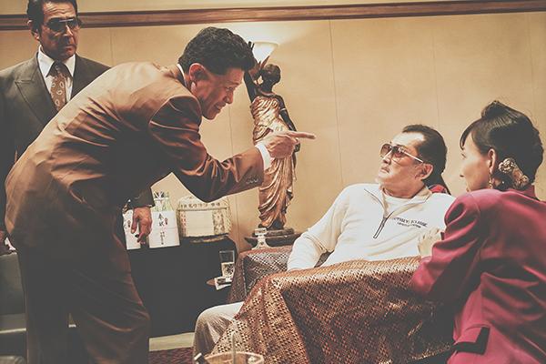 映画『孤狼の血 LEVEL2』鈴木亮平/吉田鋼太郎/宇梶剛士/かたせ梨乃