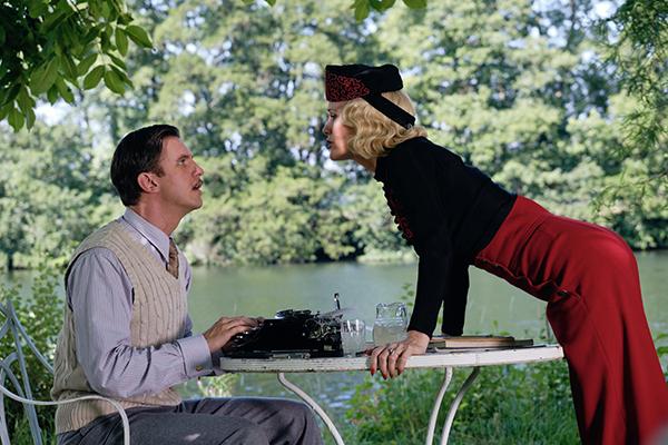 映画『ブライズ・スピリット〜夫をシェアしたくはありません!』ダン・スティーヴンス/レスリー・マン